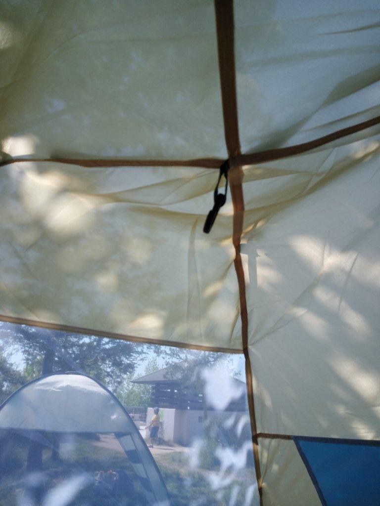 テント内天井