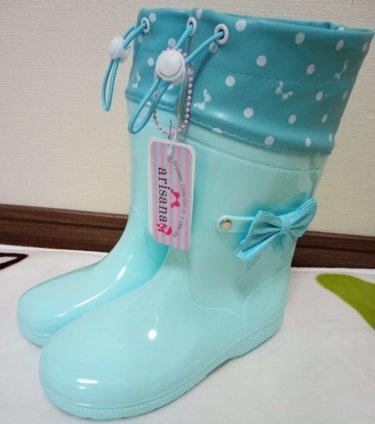 アリサナのレインブーツ(長靴)はかわいいポイントがいっぱい。靴底まで魅力的!レビュー